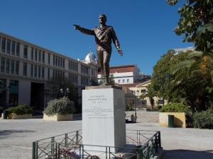 Ο Ανδριάντας του Αλεξ. Παναγούλη στη Πλατεία Σανταρόζα.
